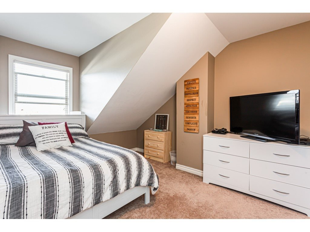"""Photo 14: Photos: 5 46151 AIRPORT Road in Chilliwack: Chilliwack E Young-Yale Townhouse for sale in """"AVION"""" : MLS®# R2423749"""