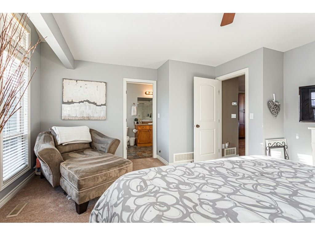 """Photo 12: Photos: 5 46151 AIRPORT Road in Chilliwack: Chilliwack E Young-Yale Townhouse for sale in """"AVION"""" : MLS®# R2423749"""