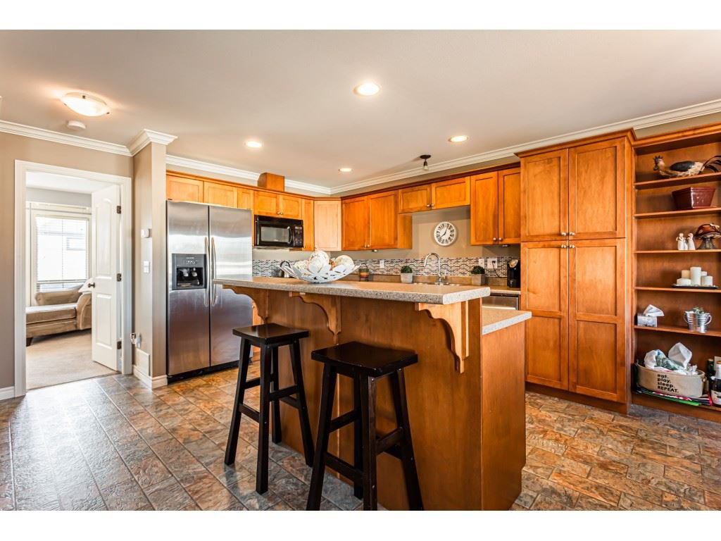"""Photo 8: Photos: 5 46151 AIRPORT Road in Chilliwack: Chilliwack E Young-Yale Townhouse for sale in """"AVION"""" : MLS®# R2423749"""