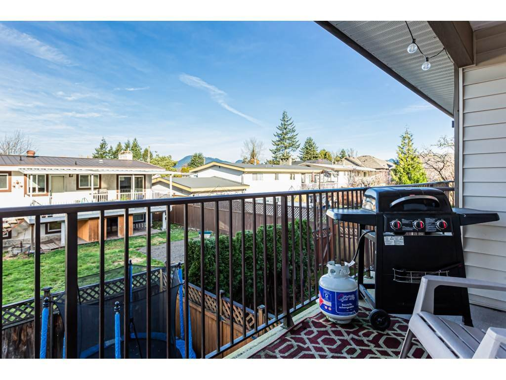 """Photo 20: Photos: 5 46151 AIRPORT Road in Chilliwack: Chilliwack E Young-Yale Townhouse for sale in """"AVION"""" : MLS®# R2423749"""
