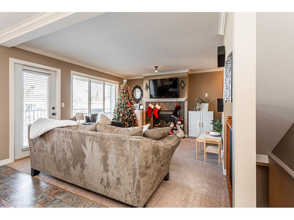 """Photo 4: Photos: 5 46151 AIRPORT Road in Chilliwack: Chilliwack E Young-Yale Townhouse for sale in """"AVION"""" : MLS®# R2423749"""