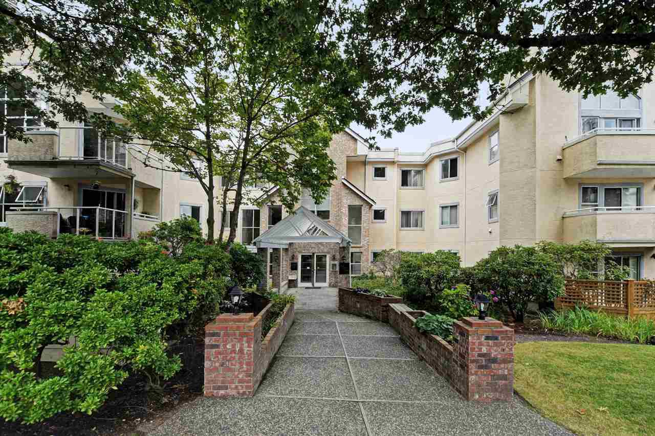 "Main Photo: 108 5565 BARKER Avenue in Burnaby: Central Park BS Condo for sale in ""BARKER PLACE"" (Burnaby South)  : MLS®# R2426206"
