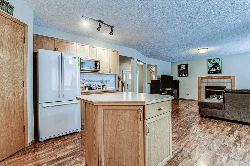 Photo 10: Photos: 25 THORNLEIGH Way SE: Airdrie Detached for sale : MLS®# C4282676