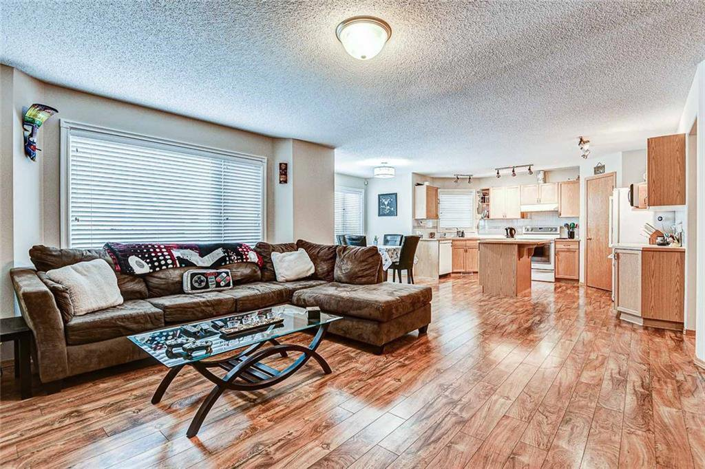 Photo 4: Photos: 25 THORNLEIGH Way SE: Airdrie Detached for sale : MLS®# C4282676