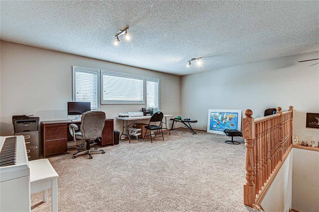 Photo 16: Photos: 25 THORNLEIGH Way SE: Airdrie Detached for sale : MLS®# C4282676