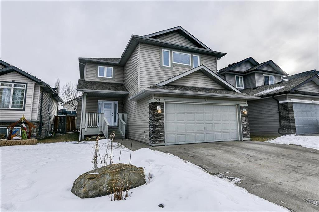 Main Photo: 25 THORNLEIGH Way SE: Airdrie Detached for sale : MLS®# C4282676
