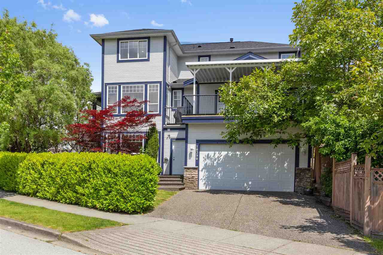 So much to love about this home. Flexible floor plan with lots of room for family. Four good sized  bedrooms upstairs which is so hard to find. Easy walks to parks and schools.