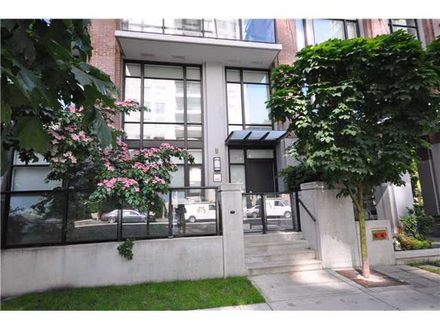 "Main Photo: 986 RICHARDS Street in Vancouver: Downtown VW Townhouse for sale in ""TRIBECA"" (Vancouver West)  : MLS®# V836180"