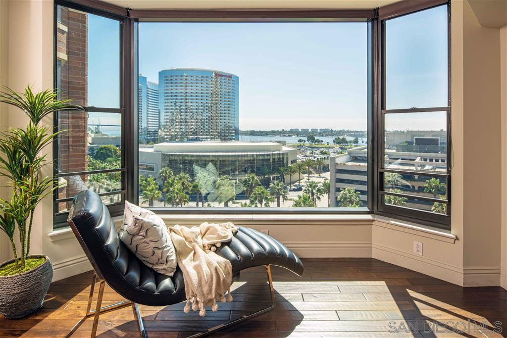 Main Photo: DOWNTOWN Condo for sale : 3 bedrooms : 500 W Harbor Drive #1022 in San Diego