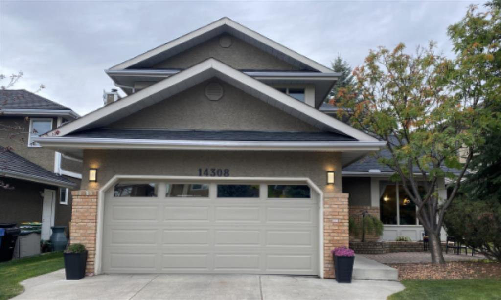 Main Photo: 14308 Shawnee Bay SW in Calgary: Shawnee Slopes Detached for sale : MLS®# A1039173