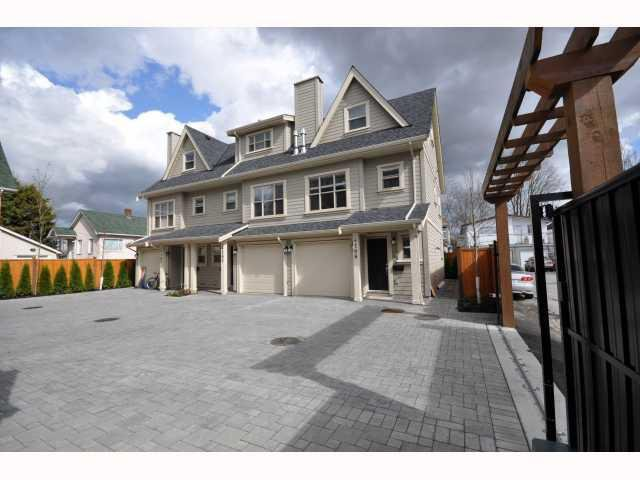 Main Photo: 4188 WELWYN Street in Vancouver: Victoria VE Townhouse for sale (Vancouver East)  : MLS®# V817794