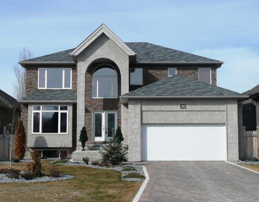 Main Photo: 30 RIVERHAVEN in WINNIPEG: St Vital Residential for sale (South East Winnipeg)  : MLS®# 2900740