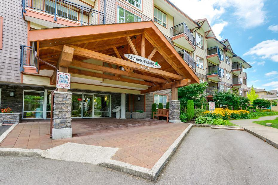 "Main Photo: 403 16068 83 Avenue in Surrey: Fleetwood Tynehead Condo for sale in ""Fleetwood Gardens"" : MLS®# R2399832"