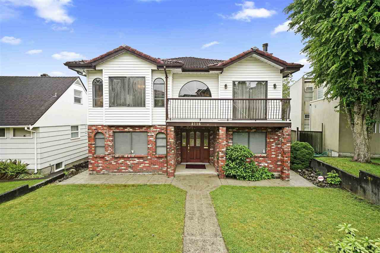 Main Photo: 2116 BURQUITLAM Drive in Vancouver: Fraserview VE House for sale (Vancouver East)  : MLS®# R2464048