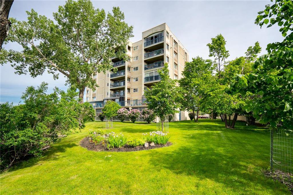 Main Photo: 406 2680 Portage Avenue in Winnipeg: Woodhaven Condominium for sale (5F)  : MLS®# 202013902