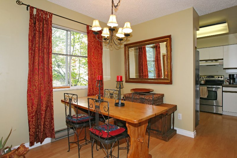 Photo 3: Photos: 8672 SW MARINE Drive in Vancouver: Marpole Townhouse for sale (Vancouver West)  : MLS®# V789020