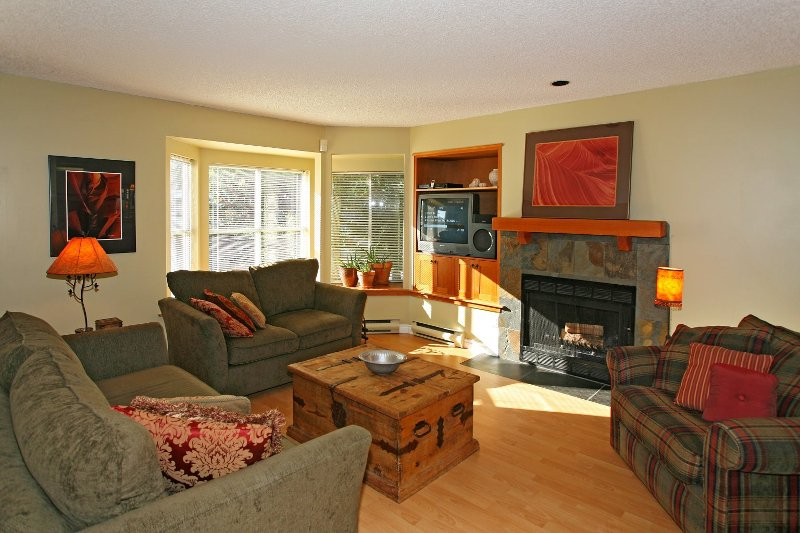 Photo 2: Photos: 8672 SW MARINE Drive in Vancouver: Marpole Townhouse for sale (Vancouver West)  : MLS®# V789020