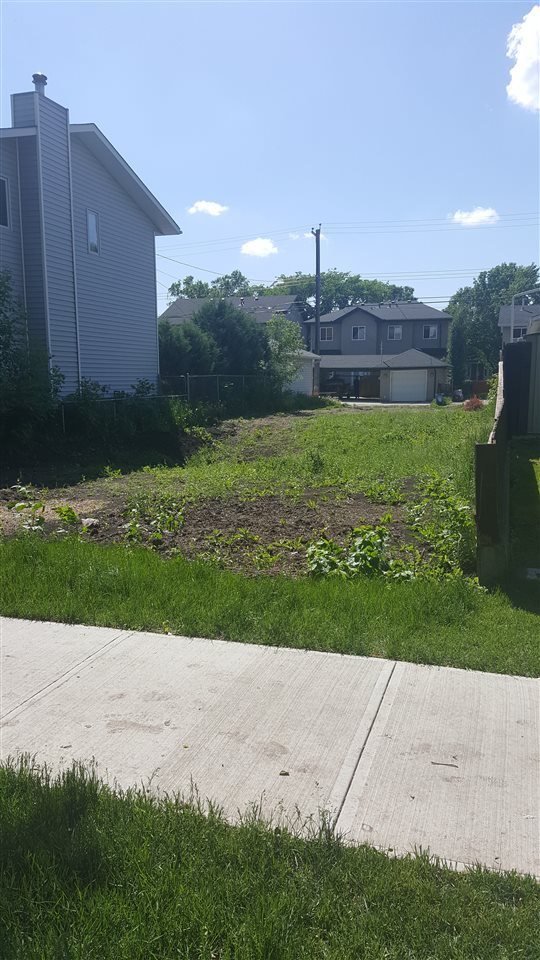 Main Photo: 9216 91 Street in Edmonton: Zone 18 Vacant Lot for sale : MLS®# E4206375