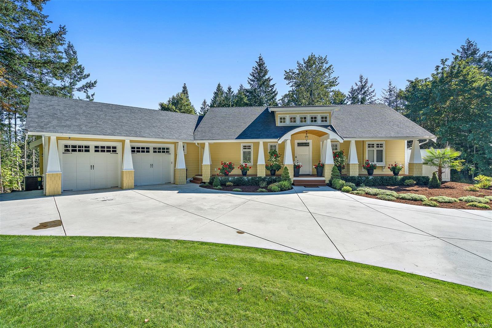 Main Photo: 1434 Honeysuckle Pl in : NS Lands End House for sale (North Saanich)  : MLS®# 855292