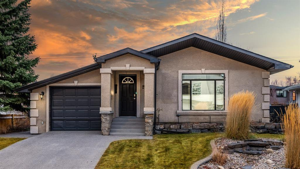 Main Photo: 2028 50 Avenue SW in Calgary: Altadore Detached for sale : MLS®# A1059590