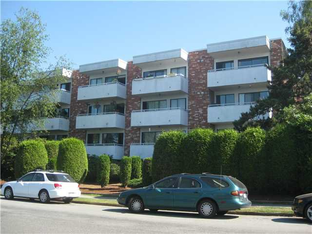 "Main Photo: 217 360 E 2ND Street in North Vancouver: Lower Lonsdale Condo for sale in ""Emerald Manor"" : MLS®# V841588"