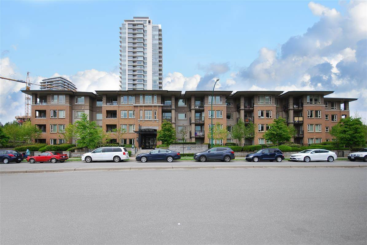 Main Photo: 209 3105 LINCOLN Avenue in Coquitlam: New Horizons Condo for sale : MLS®# R2424081