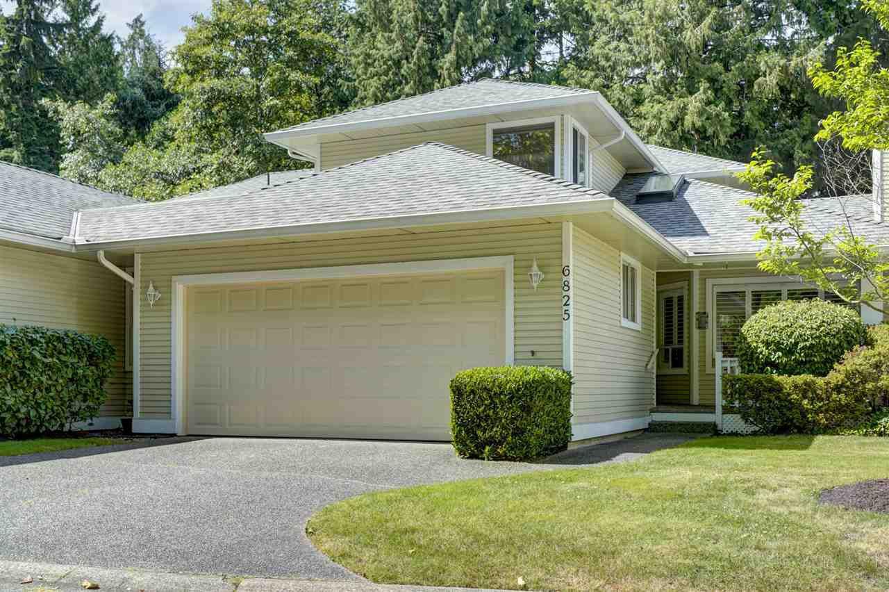 Main Photo: 6825 NICHOLSON Road in Delta: Sunshine Hills Woods Townhouse for sale (N. Delta)  : MLS®# R2480008