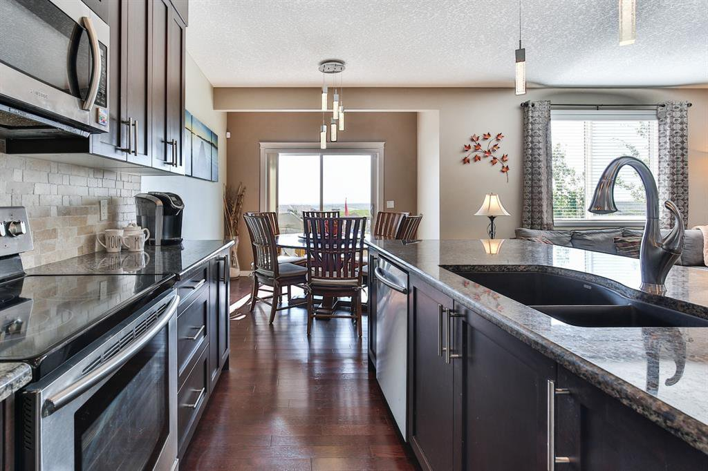 Photo 9: Photos: 86 NOLANFIELD Road NW in Calgary: Nolan Hill Detached for sale : MLS®# A1018616