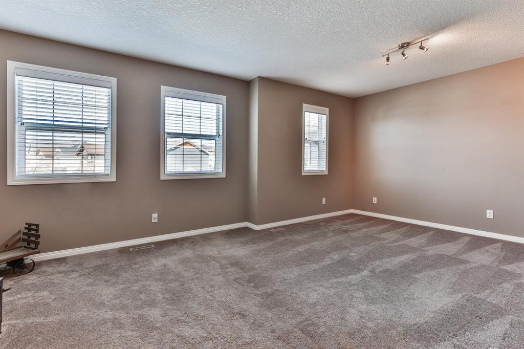 Photo 15: Photos: 86 NOLANFIELD Road NW in Calgary: Nolan Hill Detached for sale : MLS®# A1018616