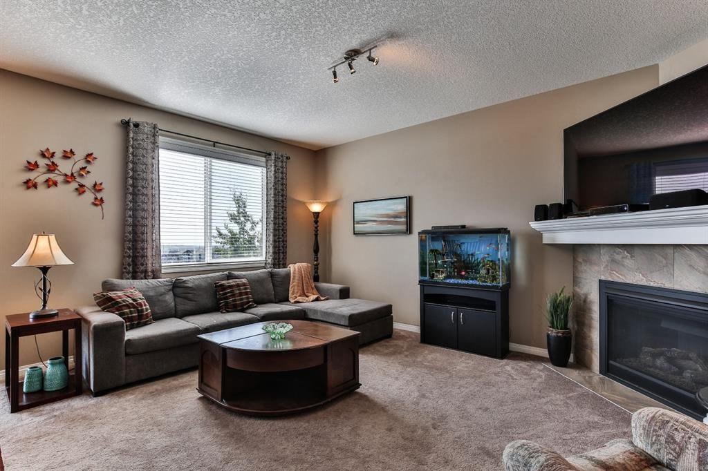 Photo 12: Photos: 86 NOLANFIELD Road NW in Calgary: Nolan Hill Detached for sale : MLS®# A1018616