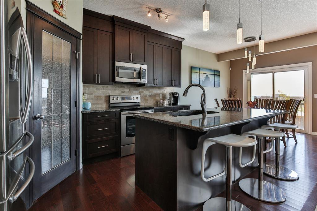 Photo 4: Photos: 86 NOLANFIELD Road NW in Calgary: Nolan Hill Detached for sale : MLS®# A1018616