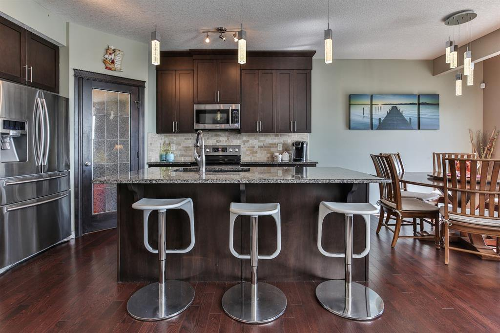 Photo 5: Photos: 86 NOLANFIELD Road NW in Calgary: Nolan Hill Detached for sale : MLS®# A1018616