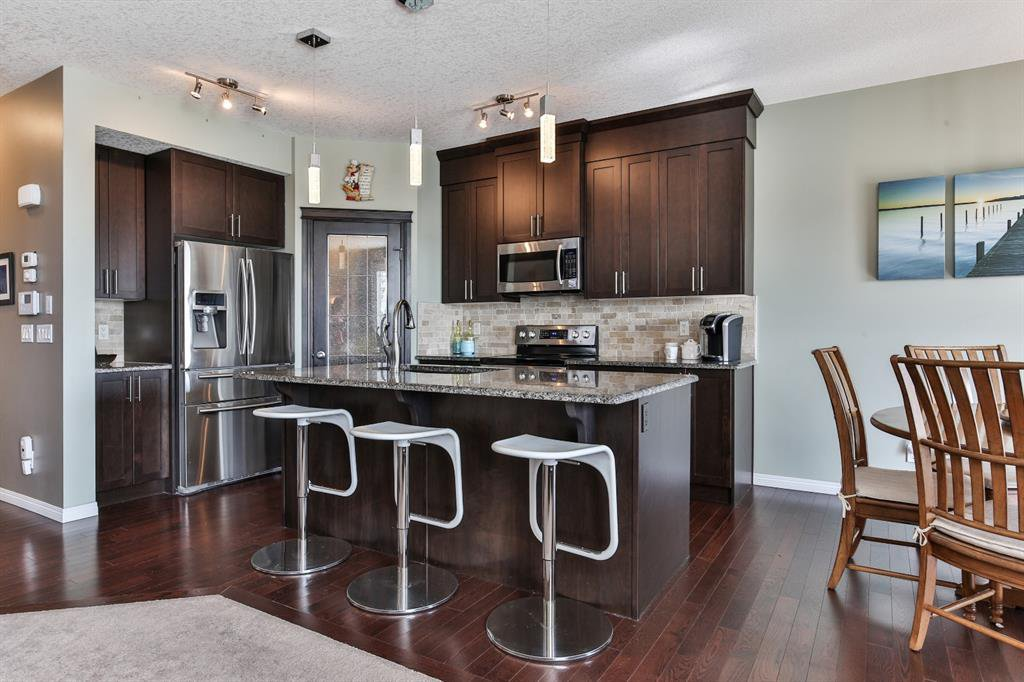 Photo 6: Photos: 86 NOLANFIELD Road NW in Calgary: Nolan Hill Detached for sale : MLS®# A1018616