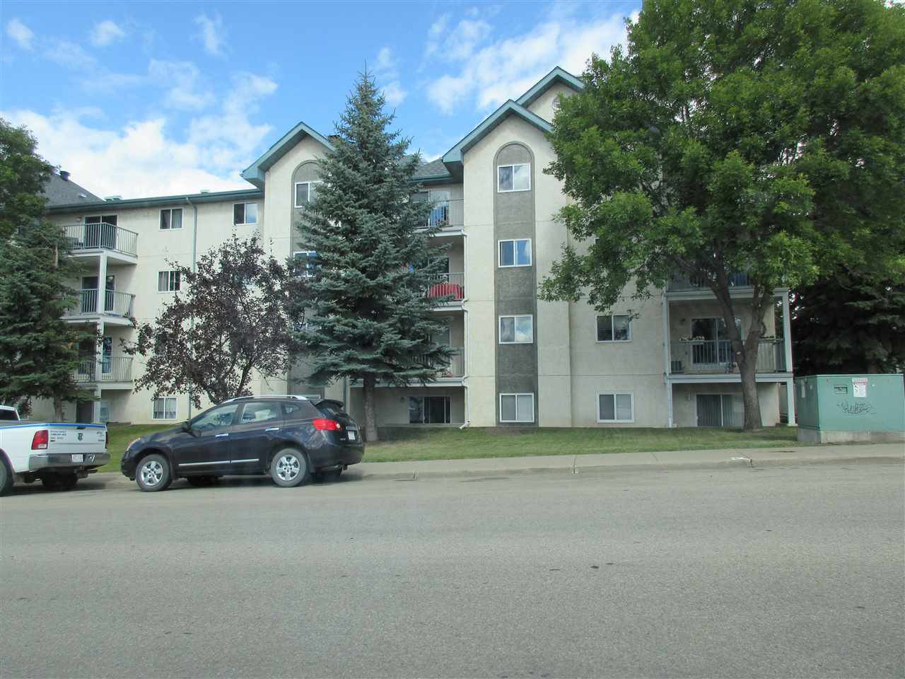 Main Photo: 105 6710 158 Avenue in Edmonton: Zone 28 Condo for sale : MLS®# E4212547