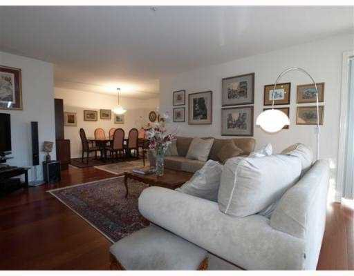 """Photo 2: Photos: 111 1140 STRATHAVEN Drive in North_Vancouver: Northlands Condo for sale in """"STRATHAVEN"""" (North Vancouver)  : MLS®# V770208"""