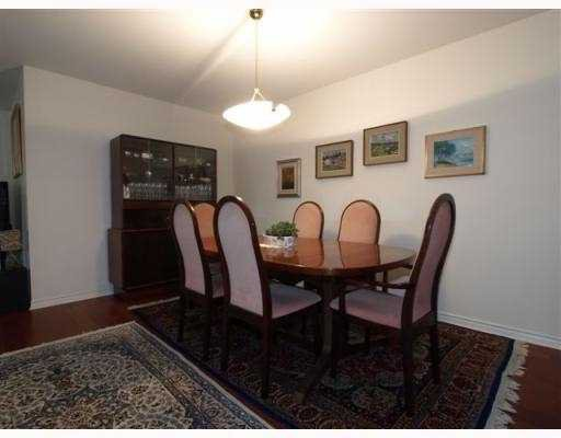 """Photo 4: Photos: 111 1140 STRATHAVEN Drive in North_Vancouver: Northlands Condo for sale in """"STRATHAVEN"""" (North Vancouver)  : MLS®# V770208"""