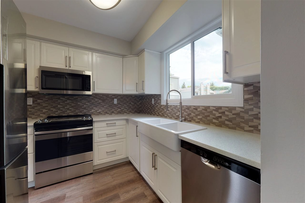 Main Photo: 36 1820 56 Street in Edmonton: Zone 29 Townhouse for sale : MLS®# E4167270