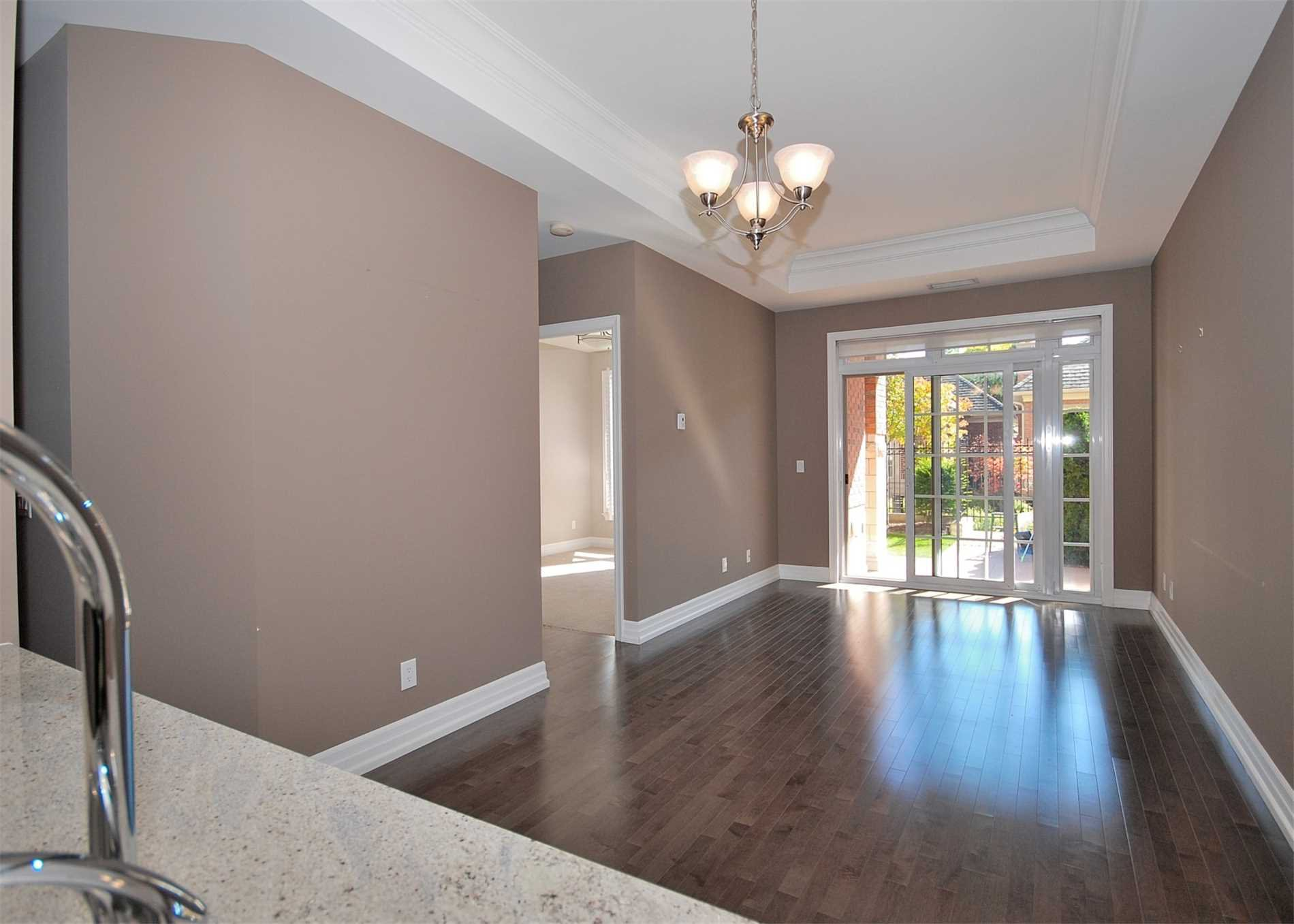 Main Photo:  in Toronto: Bridle Path-Sunnybrook-York Mills Condo for lease (Toronto C12)  : MLS®# C4646772