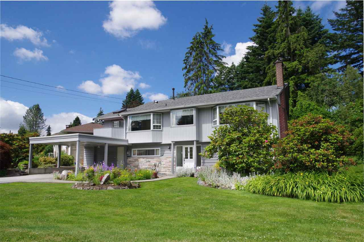 Main Photo: 2617 LAURALYNN Drive in North Vancouver: Westlynn House for sale : MLS®# R2467317