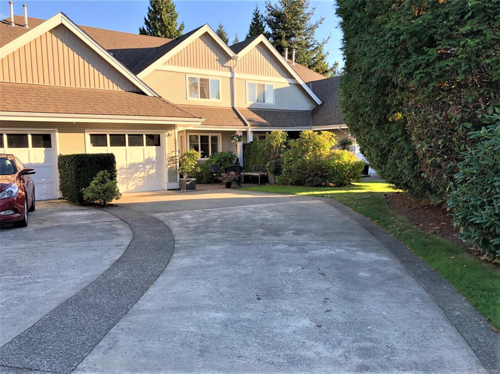 Main Photo: 5274 Arbour Cres in : Na North Nanaimo Row/Townhouse for sale (Nanaimo)  : MLS®# 857794