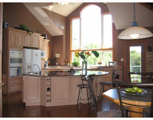 Photo 3: Photos: 5090 HENDERSON Highway in WINNIPEG: Birdshill Area Residential for sale (North East Winnipeg)  : MLS®# 2814554