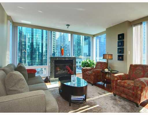 "Main Photo: 805 590 NICOLA Street in Vancouver: Coal Harbour Condo for sale in ""CASCINA"" (Vancouver West)  : MLS®# V758875"