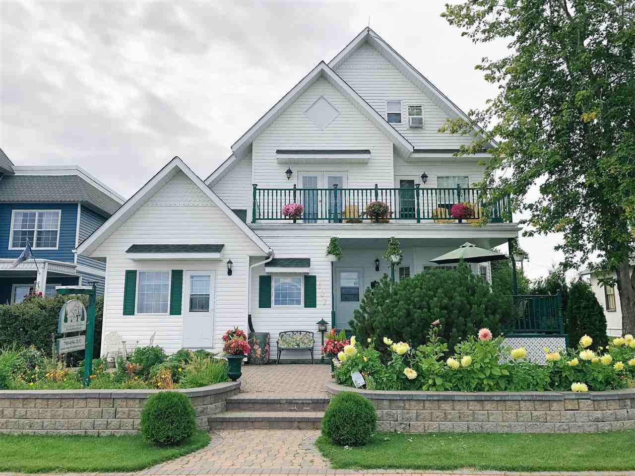 Main Photo: 607 Lakeshore Drive: Cold Lake House for sale : MLS®# E4170655