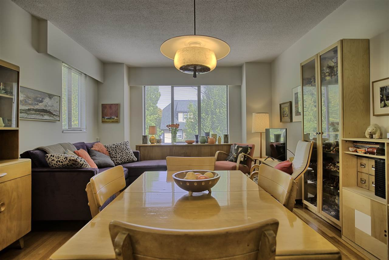 "Main Photo: 303 1004 WOLFE Avenue in Vancouver: Shaughnessy Condo for sale in ""THE ALVARADO"" (Vancouver West)  : MLS®# R2407288"