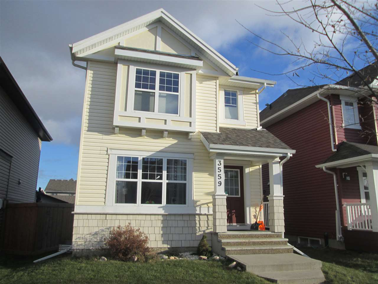Main Photo: 3559 13 Street in Edmonton: Zone 30 House for sale : MLS®# E4180774