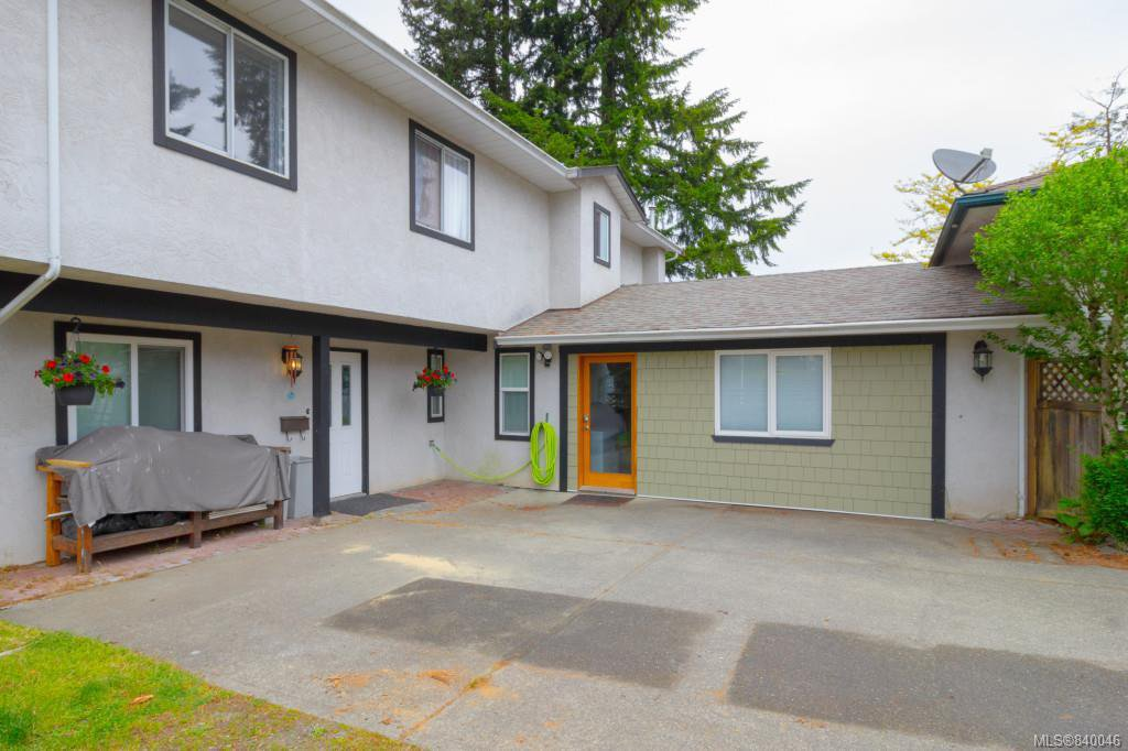 Main Photo: B 3004 Pickford Rd in Colwood: Co Hatley Park Half Duplex for sale : MLS®# 840046