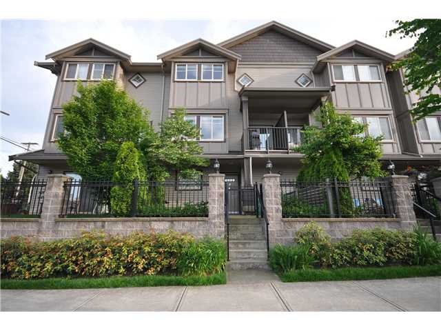 "Main Photo: 4 3139 SMITH Avenue in Burnaby: Central BN Townhouse for sale in ""BELLEVILLE HEIGHTS"" (Burnaby North)  : MLS®# V835997"