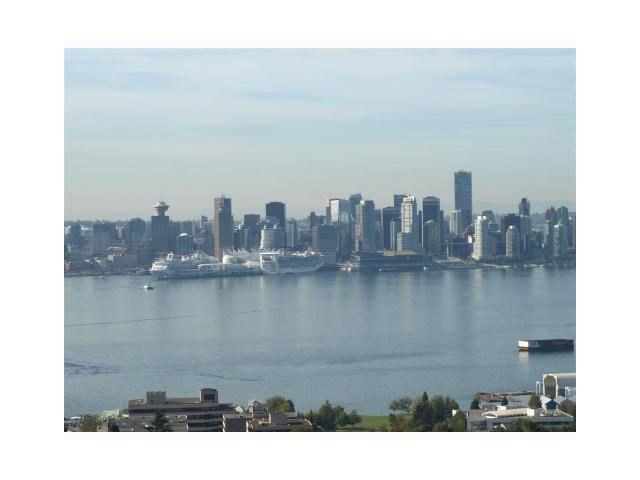 """Main Photo: 1803 1320 CHESTERFIELD Avenue in North Vancouver: Central Lonsdale Condo for sale in """"Vista Place"""" : MLS®# V836477"""