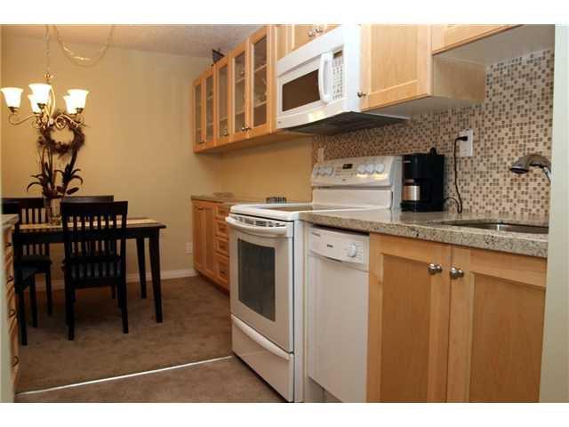 "Main Photo: 216 8391 BENNETT Road in Richmond: Brighouse South Condo for sale in ""GARDEN GLEN"" : MLS®# V850258"
