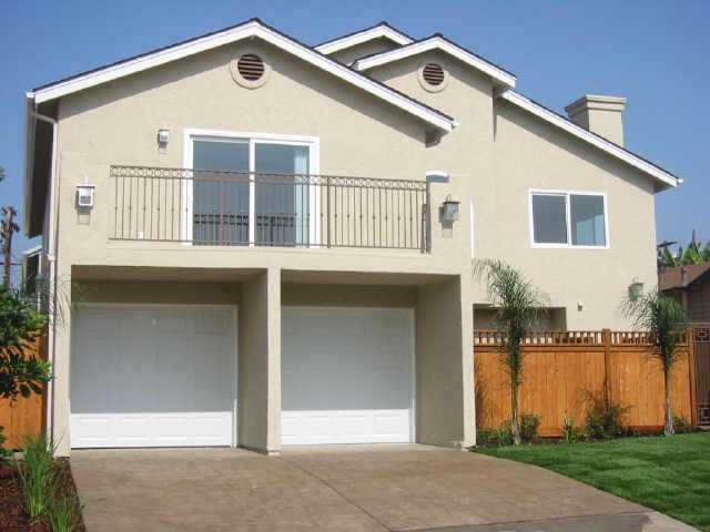 Main Photo: CITY HEIGHTS Residential for sale : 2 bedrooms : 3564 43RD #3 in San Diego